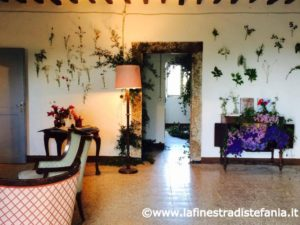 idee per salotto vintage con tanti fiori, Ideas for vintage lounge with lots of flowers