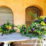 Ideas for setting up a long table with flowers, idee per allestire con i fiori un tavolo lungo,