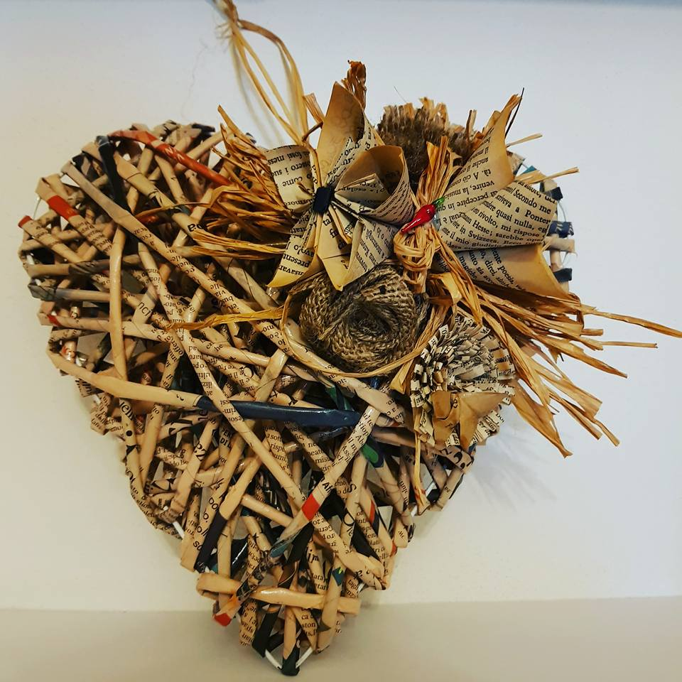 idee da regalare per Natale con la carta riciclata, ideas to give as gifts for Christmas with recycled paper