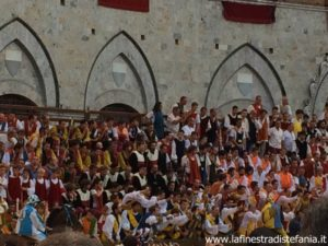 come fare la comparsa del comune al Palio di Siena, how to make the appearance of the municipality at the Palio di Siena